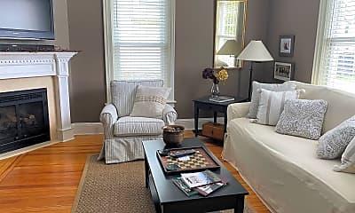 Living Room, 57 George St, 1