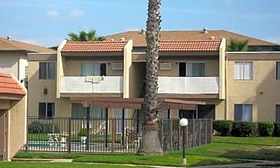 Spanish Villa, 2