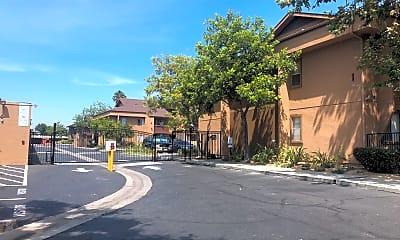 North River Club Apartments, 2