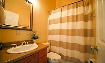 Bathroom, 3100 Magazine St B, 2