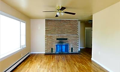 Living Room, 1340 Orchard Ave, 0