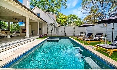 Pool, 405 9th St NE, 1