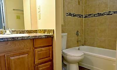 Bathroom, Ardendale Oaks Apartments, 2