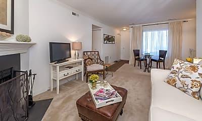 Living Room, Manassas Meadows Apartments, 1