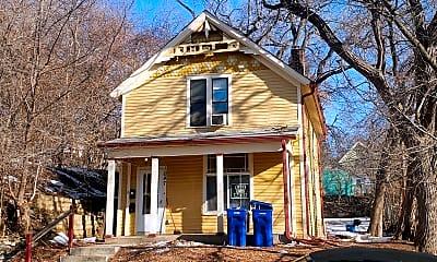 Building, 1047 4th St E, 0