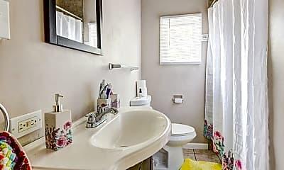 Bathroom, 2318 Leticoe St, 1