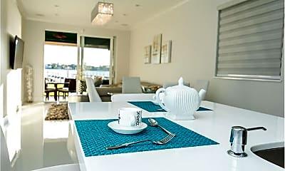 Dining Room, 324 N Lake Dr, 2