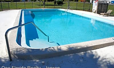 Pool, 2560 NE Dixie Hwy, 1