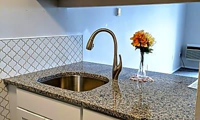 Kitchen, 366 Schraffts Dr, 1