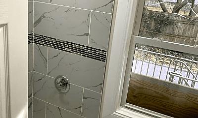 Bathroom, 2510 Colden Ave, 2