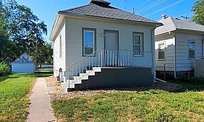 Building, 1205 Claremont St, 0