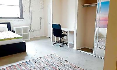 Living Room, 922 W 23rd St, 1