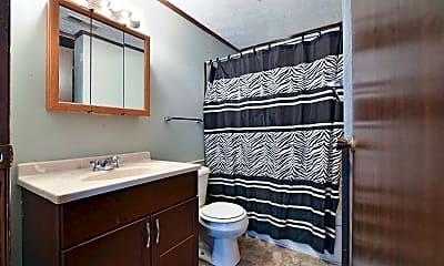 Bathroom, Springwood Apts, 2