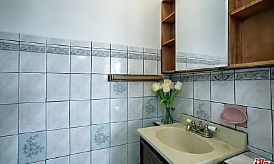 Bathroom, 1313 Edgecliffe Dr, 2