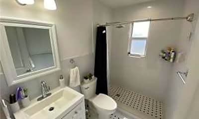 Bathroom, 1640 NW 2nd Ave, 2
