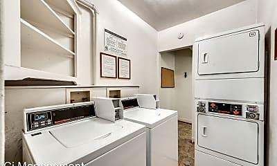Bathroom, 4400 Gaston Ave, 2