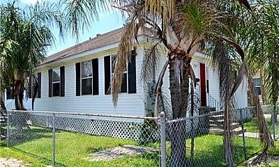 Building, 1300 Annette St, 0