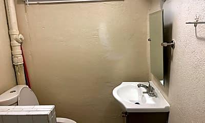 Bathroom, 910 AND 912 Cumberland Ave, 2