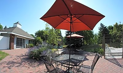 Courtyard, Windsong Country Estate Apartments, 0