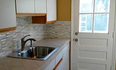 Kitchen, 517 Woodston Rd, 1