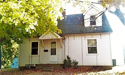 Building, 1122 N Madison St, 0