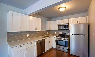 Kitchen, 400 E 48th St, 1