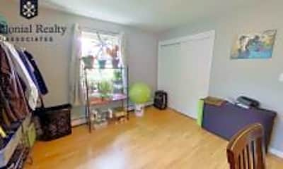 Living Room, 190 Mt Auburn St, 2