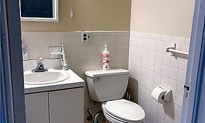 Bathroom, 49 Main St 4, 2