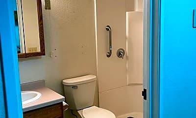 Bathroom, 1020 1st St, 2