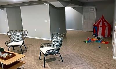 Living Room, 91 Terrace Ave, 2