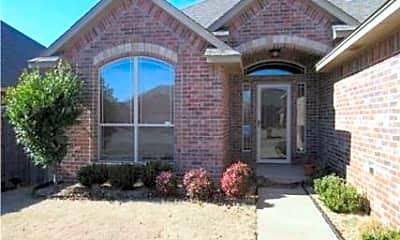 Building, 7621 Twin Oaks Dr, 1
