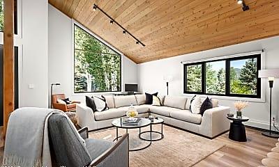 Living Room, 432 Fairway Dr, 1