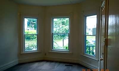 Living Room, 713 S Beech St, 1