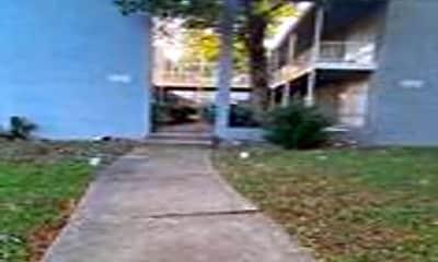 Building, 152 N McLean Blvd 4, 1