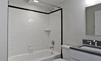 Bathroom, 1911 R St NW, 1