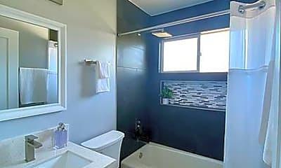 Bathroom, 4153 Hemlock St, 2