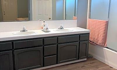 Bathroom, 4357 W Harvard Ave, 2