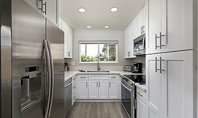 Kitchen, 828 E Fairway Dr, 1
