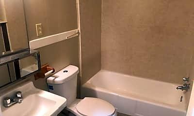 Bathroom, 3970 Locust St, 2