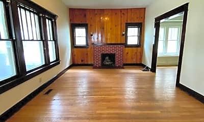 Living Room, 403 N Dunn St, 1