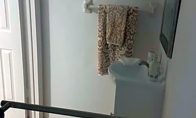 Bathroom, 1417 Chesapeake Ave 201, 2