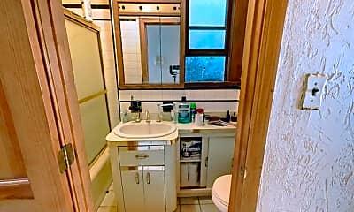 Bathroom, 200 Maverick St, 2