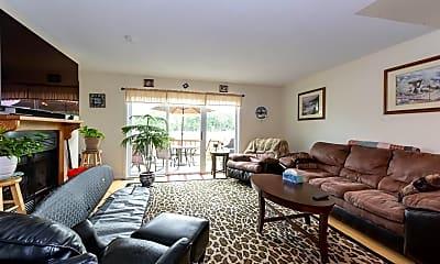 Living Room, 108 Dunvegan Woods, 0