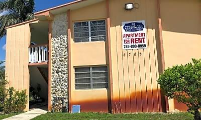 Marshall Apartments, 1