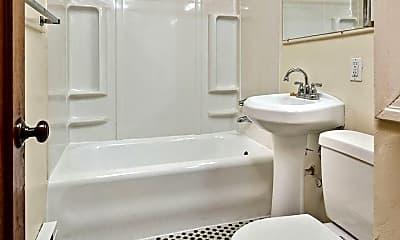 Bathroom, 603 3rd Ave W, 2