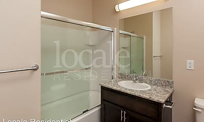 Bathroom, 1217 W Sacramento Ave, 2