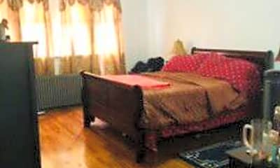 Bedroom, 75-26 196th St, 2