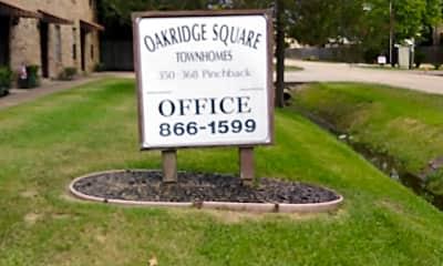 Oakridge Square Townhomes, 1