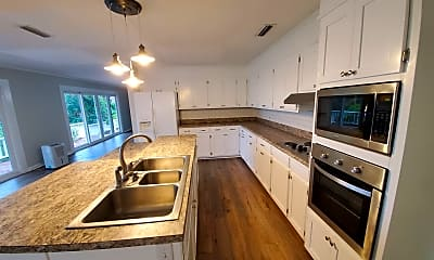 Kitchen, 601 N Bay Dr, 0