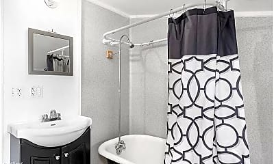 Bathroom, 1262 Glass Ave NE, 2
